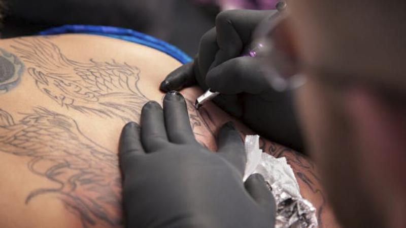 ¿En qué partes del cuerpo puede ser peligroso hacerse tatuajes? (20 minutos)